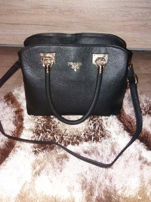 Tasche von Prada