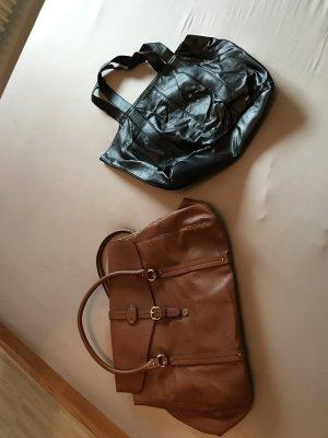 Taschen von H&M schwarz und braun