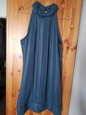 Taubenblaues Kleid