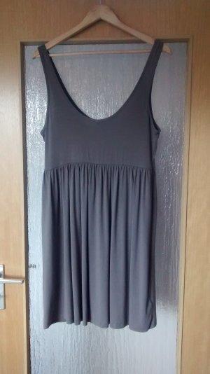 Taupe farbenes Basic Kleid von H&M