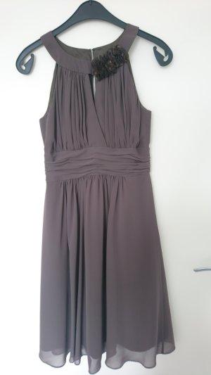 Taupe farbiges Kleid