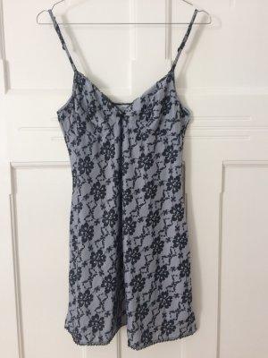 Tchibo Nachthemd Negligé Loungewear Hemdchen grau schwarz Spitze Blume Gr. XS S