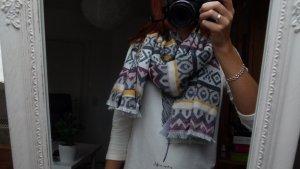 Tchibo - Schal mit Ethno-Muster
