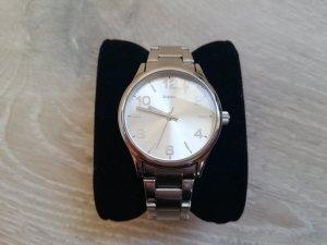 Tchibo/TCM Armbanduhr in silber mit silbernem Ziffernblatt Metall