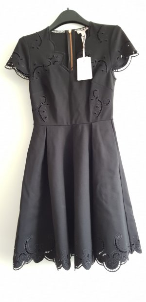 TED BAKER SALOANE V-Neck Embroidered Skater Dress neu - ungetragen!!!
