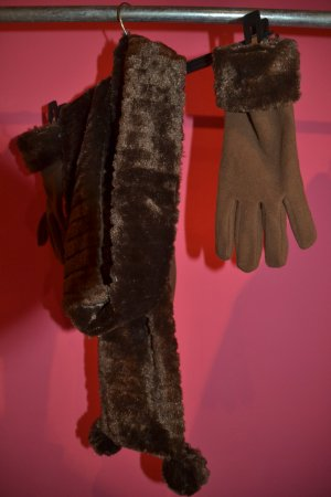 Fur Gloves black brown polyester
