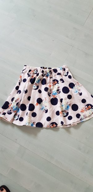 Falda circular blanco-negro