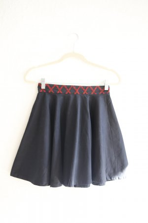 Circle Skirt black-carmine