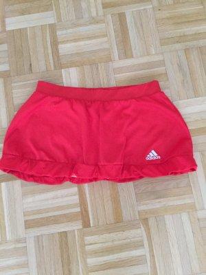 Tennisrock mit integrierten Shorts von adidas in Gr.M (38-40)