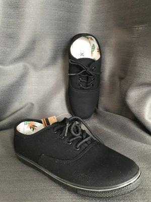 Cross Lace-Up Sneaker black