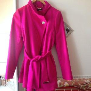 Tes Baker Kurzmantel in Pink