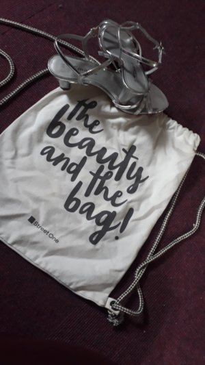 the  Beauty and the bag
