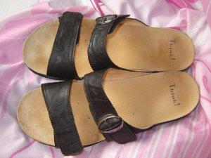 Think! Sandalias cómodas negro