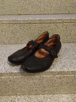 Think Schuhe 42