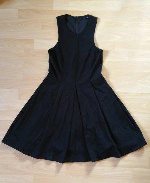 Tibi Kleid mit ausgestelltem Rockteil und Reisverschluss vorne
