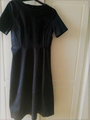 Tief dunkelblaues Kleid von COS, Gr. 36