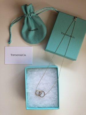 Tiffany & Co. Kette mit Anhänger aus verschlungenen Ringen