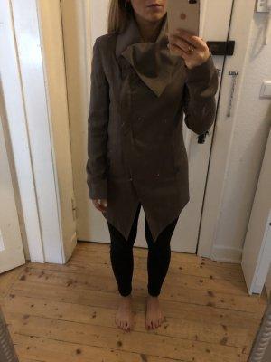 Tigha Jacke mit asymmetrischem Kragen