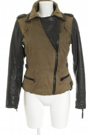 Tigha Between-Seasons Jacket olive green-black street-fashion look