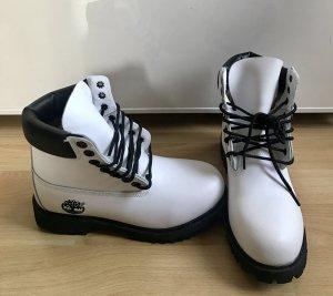 Timberland 6-inch Stiefel weiß mit schwarzer Sohle