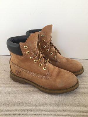 Timberland Boots in hellbraun