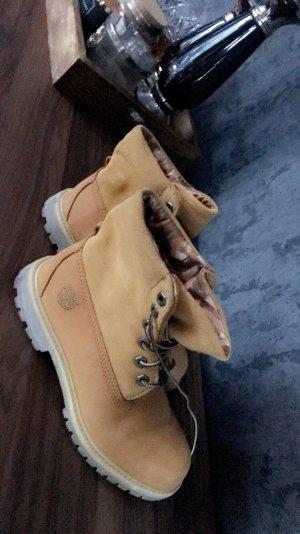 Timberland Boots / Schnürstiefel