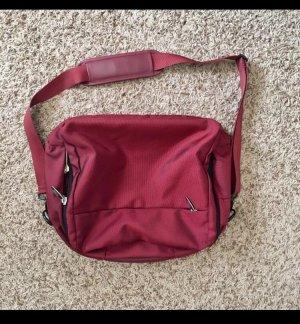Titan Laptop Carry-On Tasche Aufbewahrung Reisetasche rot