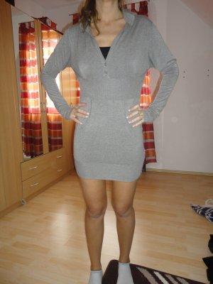 TKMaxx Kleid neuwertig mit Kaputze