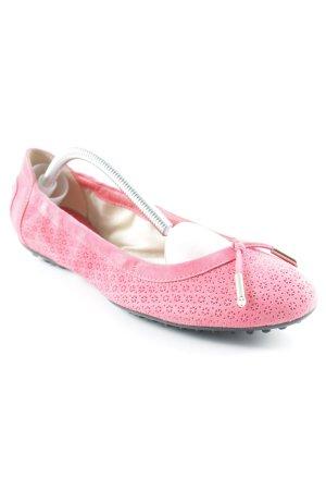 Tod's Bailarinas plegables rosa look casual