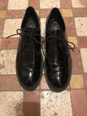 Tod's klassischer Schnürschuh in schwarz Lack wie neu!!!