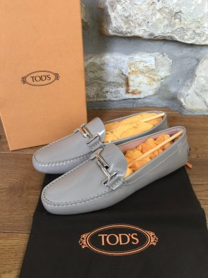 "Tod's - Mokassins ""Gommino Double T"" aus Lackleder (NP 410 EUR)"