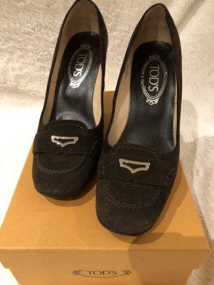 Tod's Chaussure à talons carrés brun foncé daim