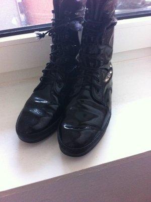 Tod's Stiefel Lackleder schwarz