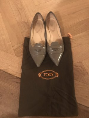 Tod's Patent Leather Ballerinas grey