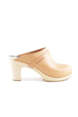 Toffel Clog Sandals cream casual look