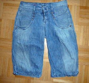 Tolle 3/4 Jeans in Ballonform, neuwertig, Gr. 27