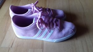 Tolle Adidas Sneaker