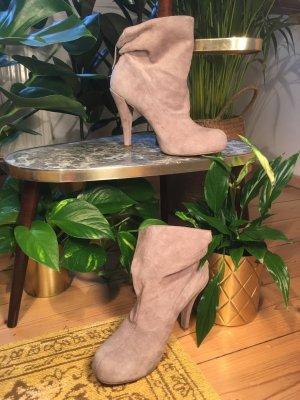 Tolle Ankle Boots aus echtem Wildleder