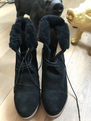 Tolle, ausfallene  Winterschuhe von Dr. Scholl, schwarz, Gr. 39, neuwertig ❤