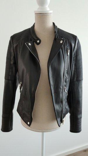 Tolle Bikerjacke mit Zippern von Zara