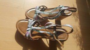 tolle Blümchen Sandaletten von Esprit