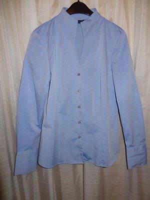 Tolle Bluse mit Stehkragen, wie neu.