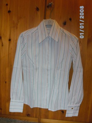 Tolle Bluse von JOOP! mit edlen Manschetten an den Ärmeln 100% Baumwolle