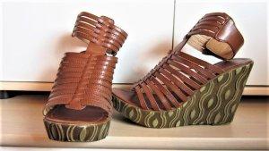 tolle braune Wedges/Schuhe mit Keilabsatz aus Italien / Römerschuhe