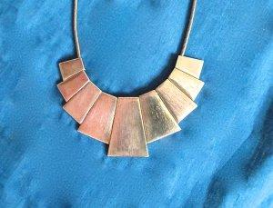 Tolle bronzefarbene bzw. goldene Kette
