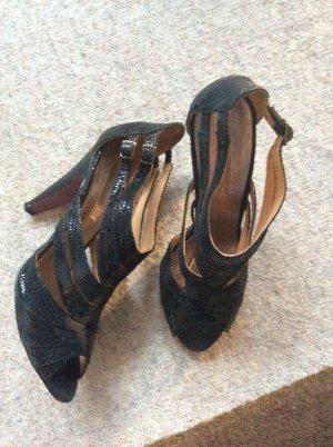 tolle Buffalo Sandaletten in Lack schwarz mit Schlangenmuster