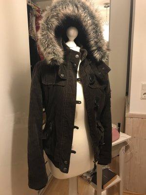 Tolle Cord Winterjacke von Esprit