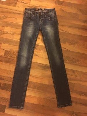 Tolle fast neue Jeans von Tommy Hilfiger