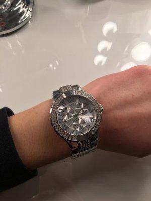 Tolle gebrauchte Guess Uhr