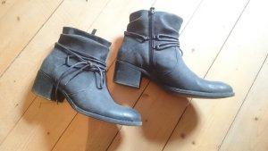 tolle Halbstiefel Boots grau Gr. 40 Graceland